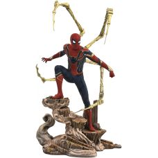 Diamond Select Toys Marvel Gallery: Avengers Infinity War Movie Spider-man